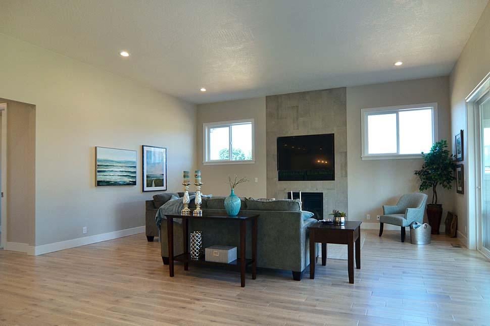 Modern, Prairie, Ranch House Plan 41389 with 3 Beds, 2 Baths, 2 Car Garage Picture 10