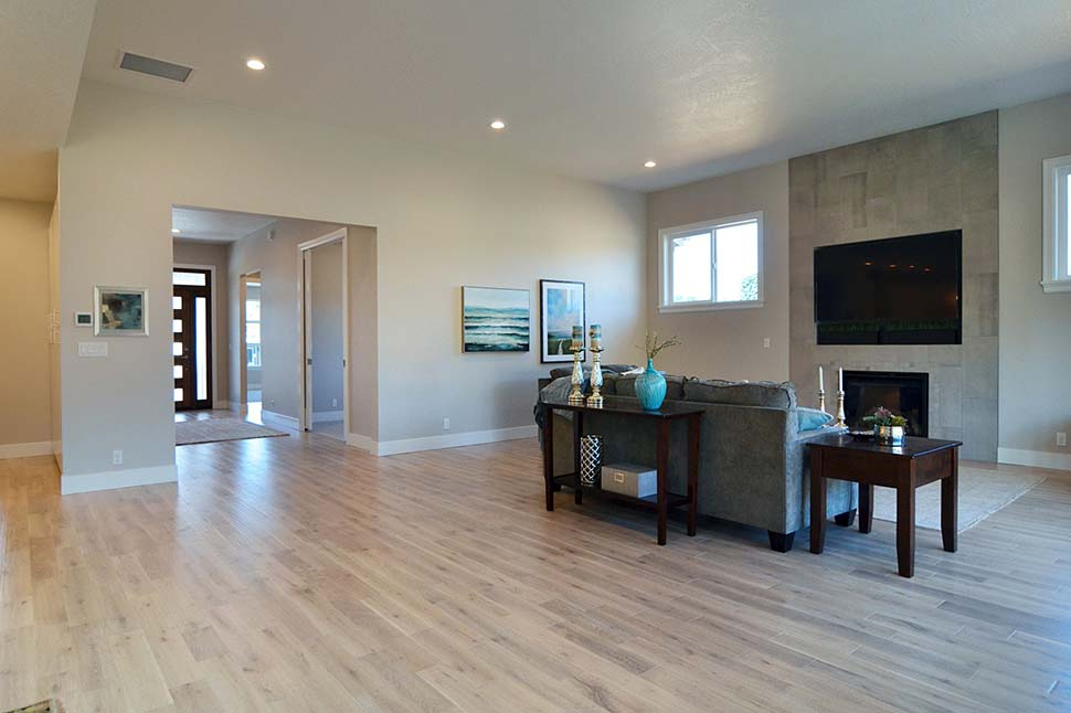 Modern, Prairie, Ranch House Plan 41389 with 3 Beds, 2 Baths, 2 Car Garage Picture 11