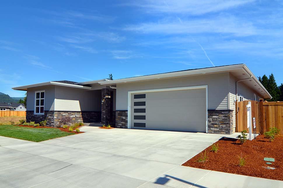 Modern, Prairie, Ranch House Plan 41389 with 3 Beds, 2 Baths, 2 Car Garage Picture 4