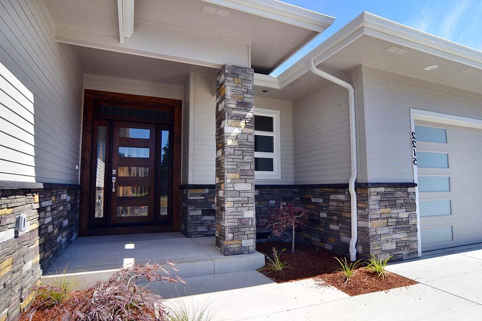 Modern, Prairie, Ranch House Plan 41389 with 3 Beds, 2 Baths, 2 Car Garage Picture 6