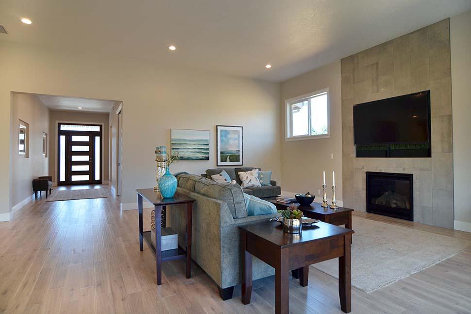 Modern, Prairie, Ranch House Plan 41389 with 3 Beds, 2 Baths, 2 Car Garage Picture 7