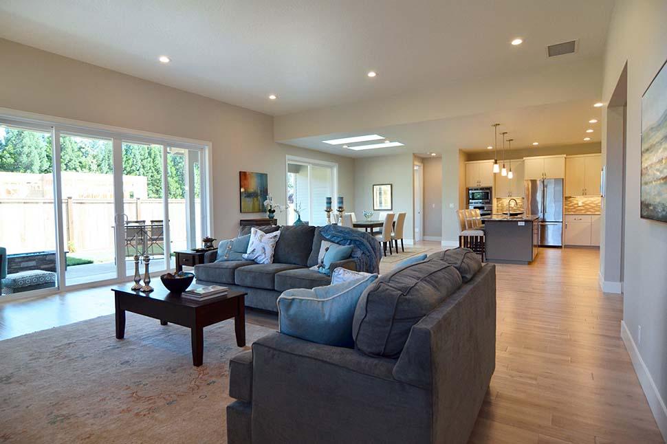 Modern, Prairie, Ranch House Plan 41389 with 3 Beds, 2 Baths, 2 Car Garage Picture 9