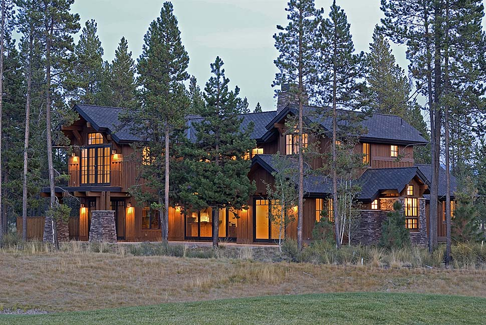 Craftsman, Modern, Prairie, Tuscan House Plan 43307 with 4 Beds, 5 Baths, 3 Car Garage Rear Elevation