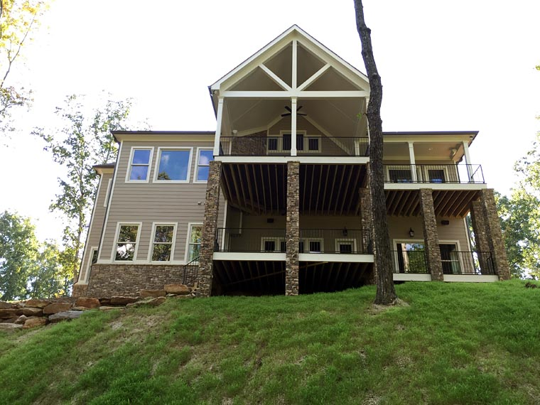 Craftsman Farmhouse House Plan 50257