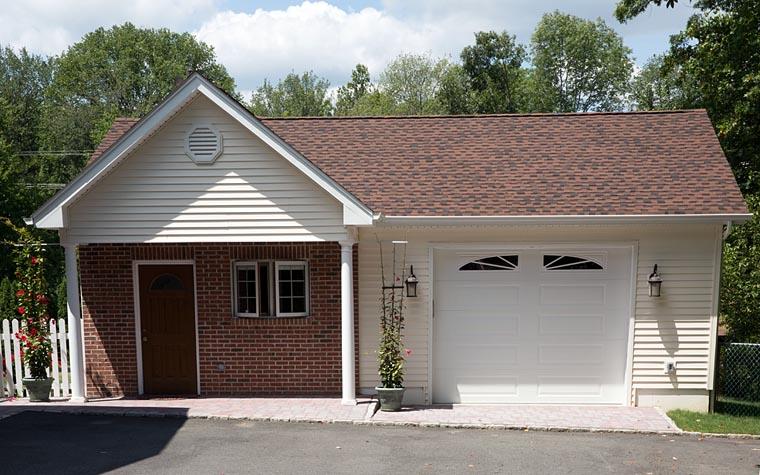 Ranch Traditional Garage Plan 51401 Elevation