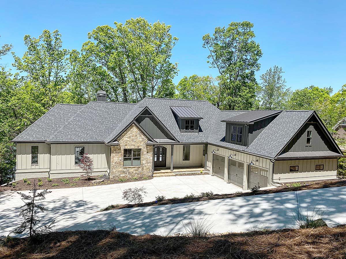 Craftsman House Plan 52029 with 4 Beds, 4 Baths, 3 Car Garage Elevation