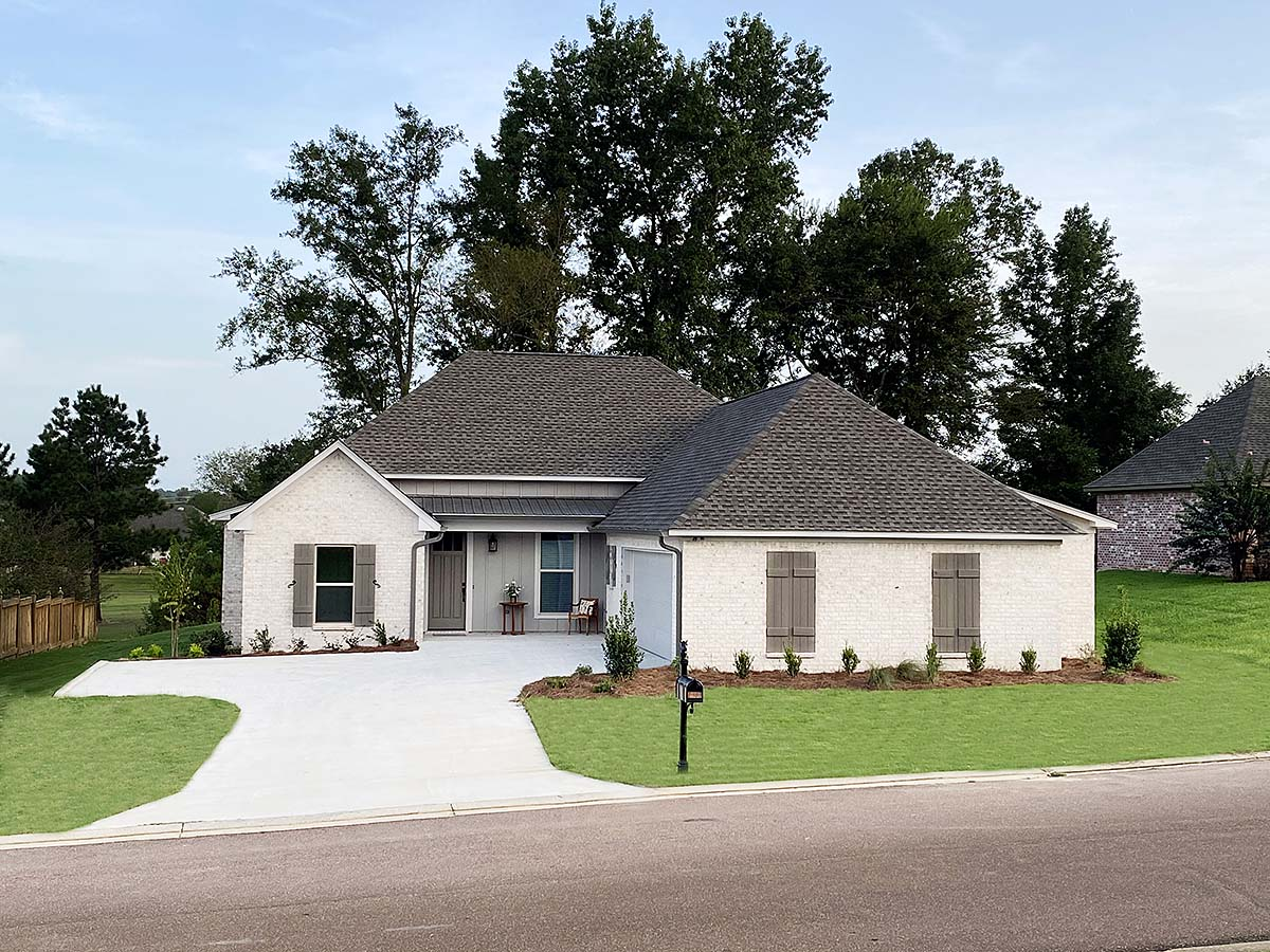 House Plan 74664