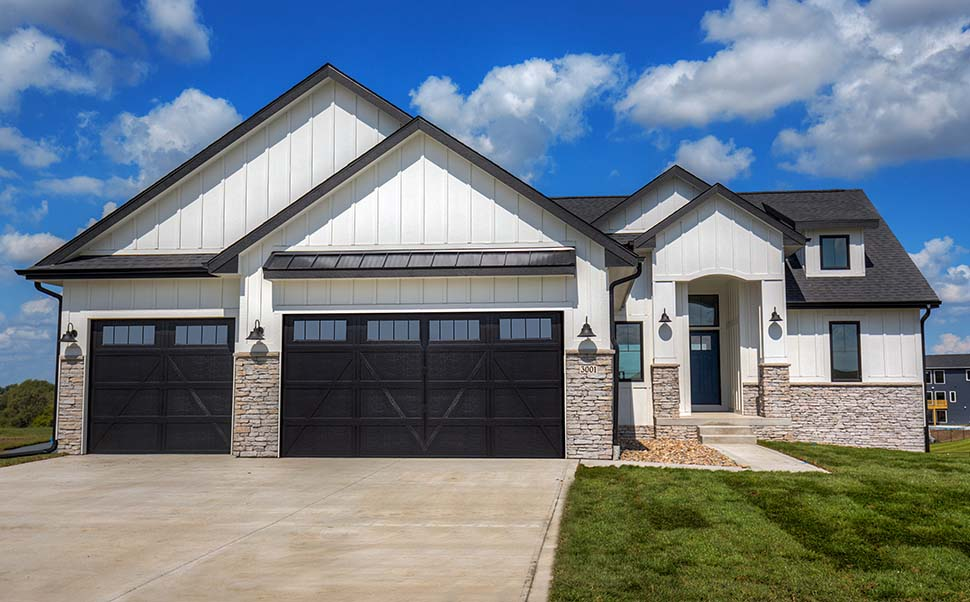 Craftsman, Ranch, Traditional House Plan 75454 with 3 Beds, 2 Baths, 3 Car Garage Picture 2