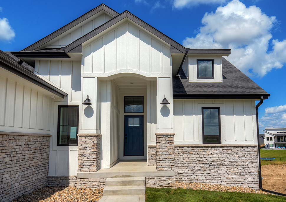 Craftsman, Ranch, Traditional House Plan 75454 with 3 Beds, 2 Baths, 3 Car Garage Picture 3