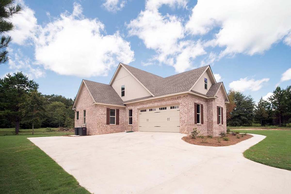 Farmhouse, Ranch, Traditional House Plan 78523 with 4 Beds, 3 Baths, 2 Car Garage Picture 2