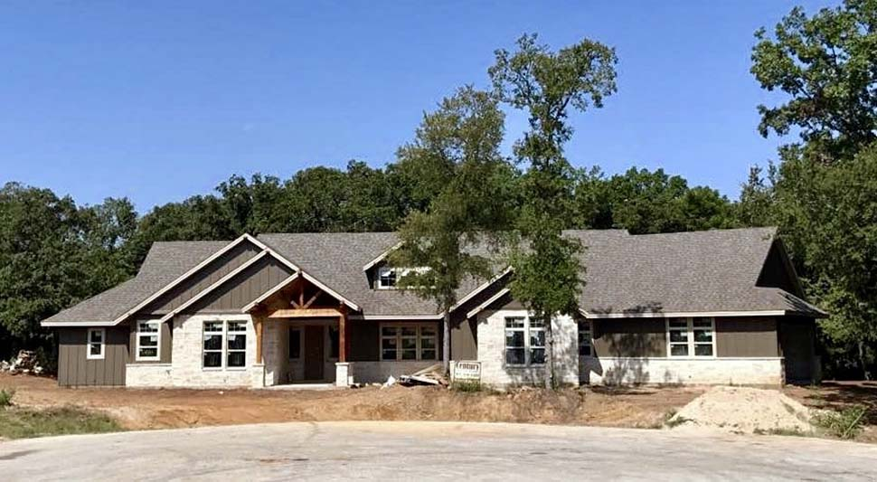 Craftsman, Ranch House Plan 81200 with 3 Beds, 3 Baths, 3 Car Garage Picture 8