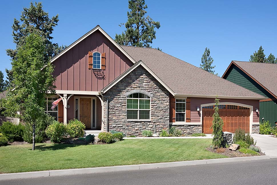 Craftsman Ranch Traditional Elevation of Plan 81212