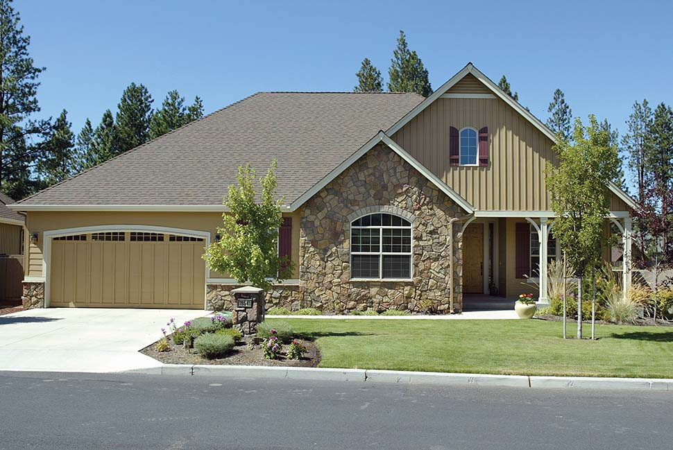 Craftsman, Ranch, Traditional House Plan 81212 with 3 Beds, 2 Baths, 3 Car Garage Picture 11