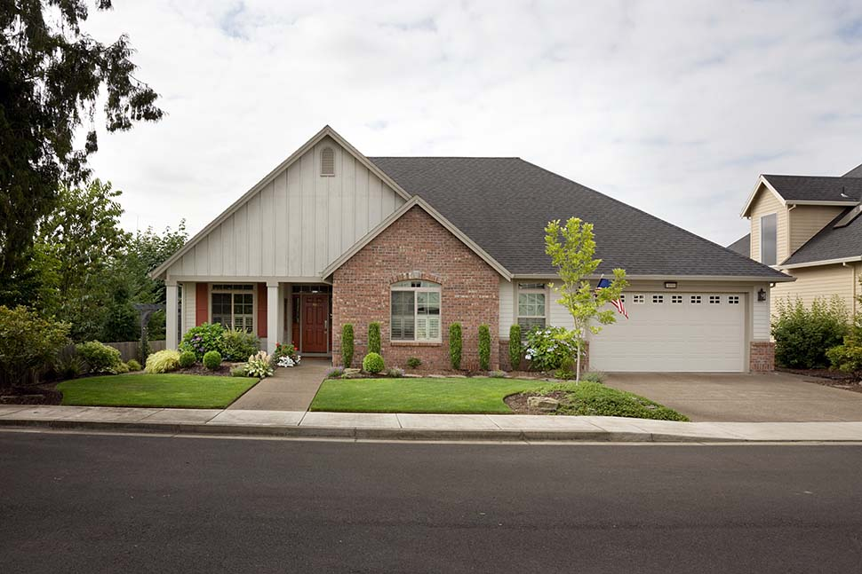 Craftsman, Ranch, Traditional House Plan 81212 with 3 Beds, 2 Baths, 3 Car Garage Picture 4