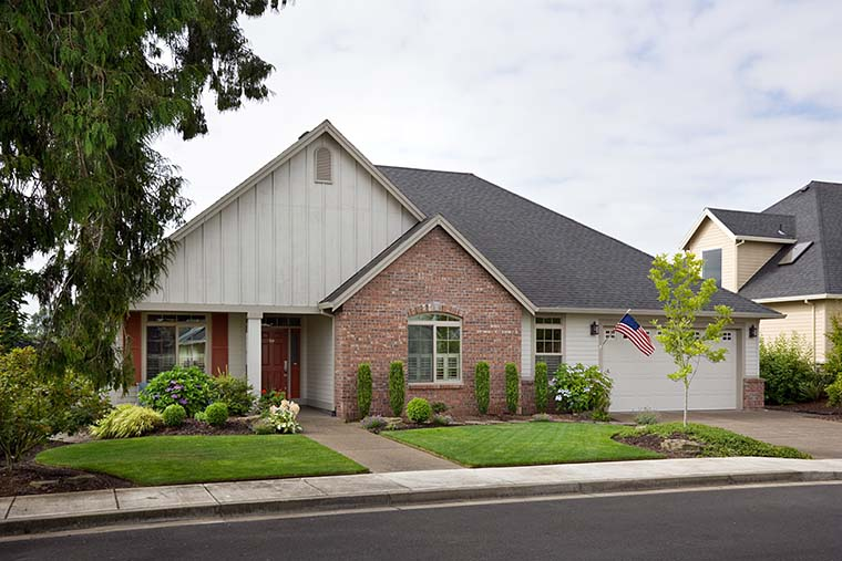 Craftsman, Ranch, Traditional House Plan 81212 with 3 Beds, 2 Baths, 3 Car Garage Picture 5