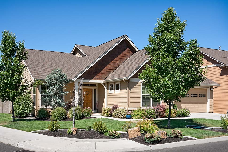 Craftsman, Ranch, Traditional House Plan 81212 with 3 Beds, 2 Baths, 3 Car Garage Picture 6
