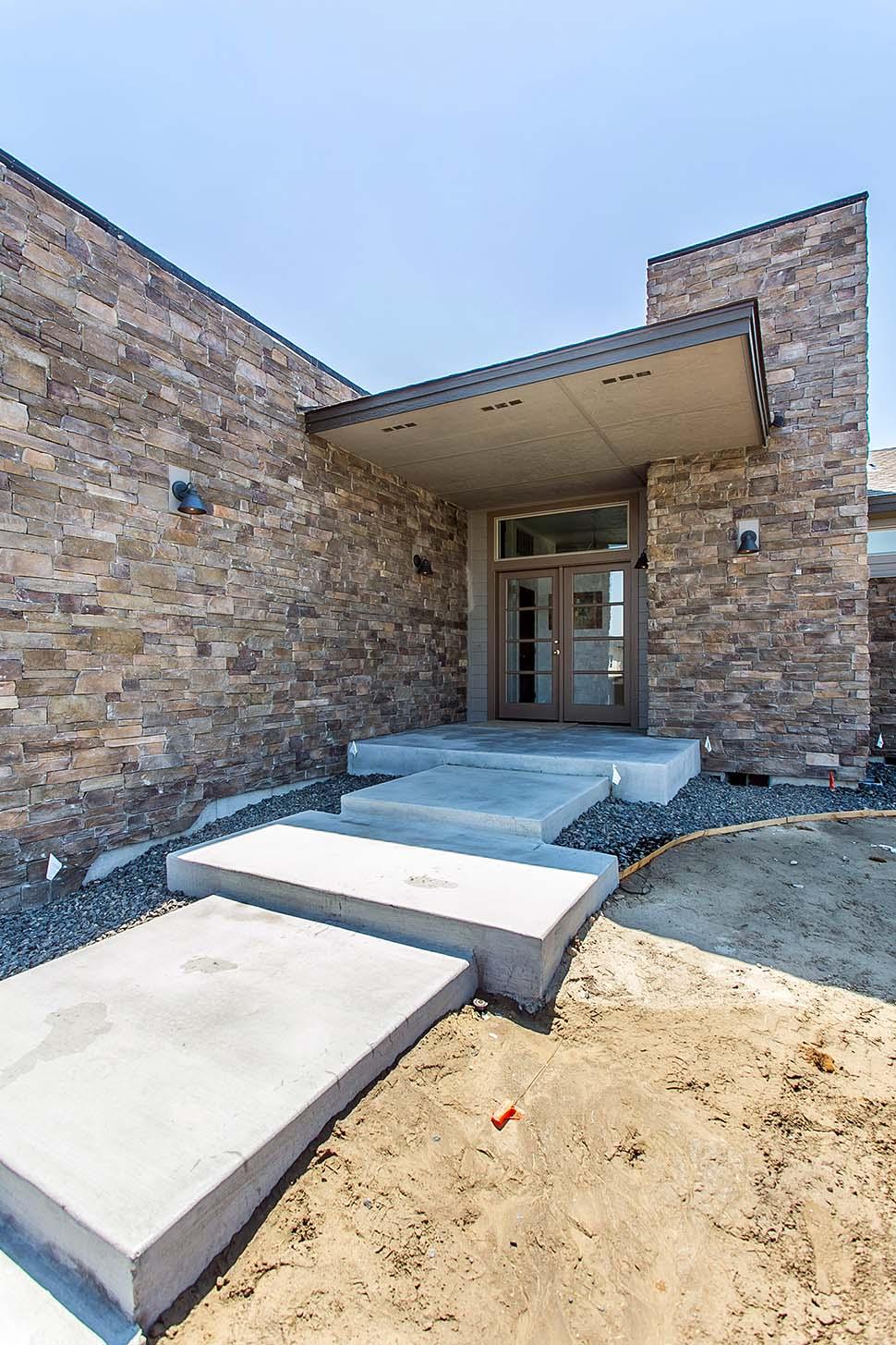 Contemporary, Modern, Prairie 2 Car Garage Plan 81298 with 3 Beds, 3 Baths Picture 8