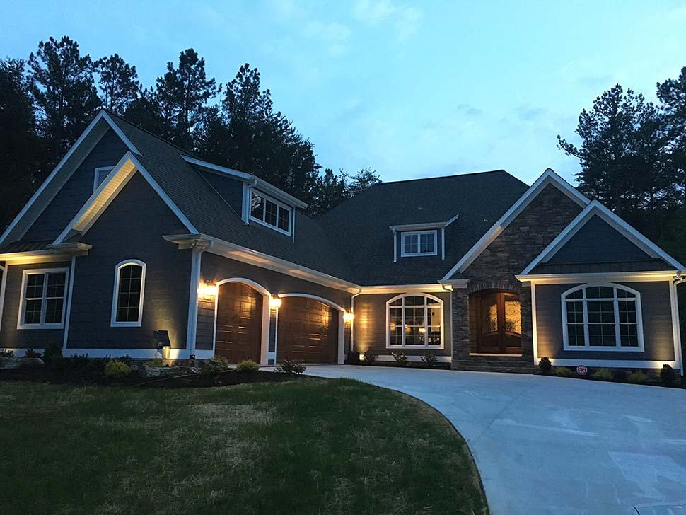 European, French Country Plan with 2409 Sq. Ft., 3 Bedrooms, 4 Bathrooms, 3 Car Garage Picture 2