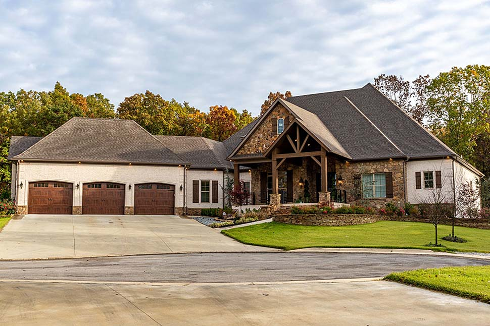 Bungalow, Craftsman, European, French Country House Plan 82511 with 4 Beds, 5 Baths, 3 Car Garage Front Elevation