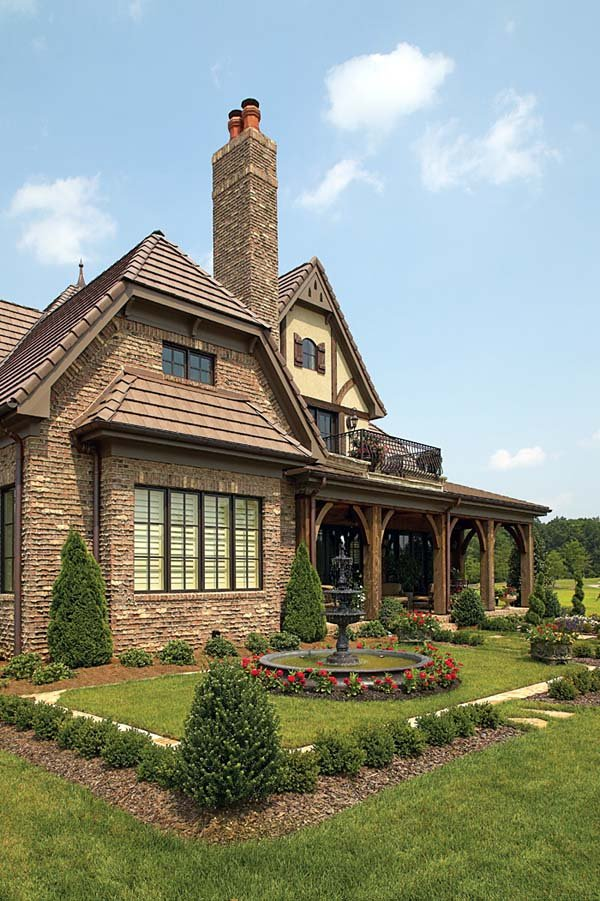 Country European House Plan 85529