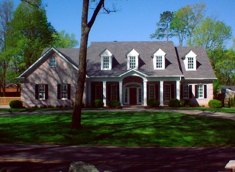 Colonial Country Farmhouse Southern House Plan 86124