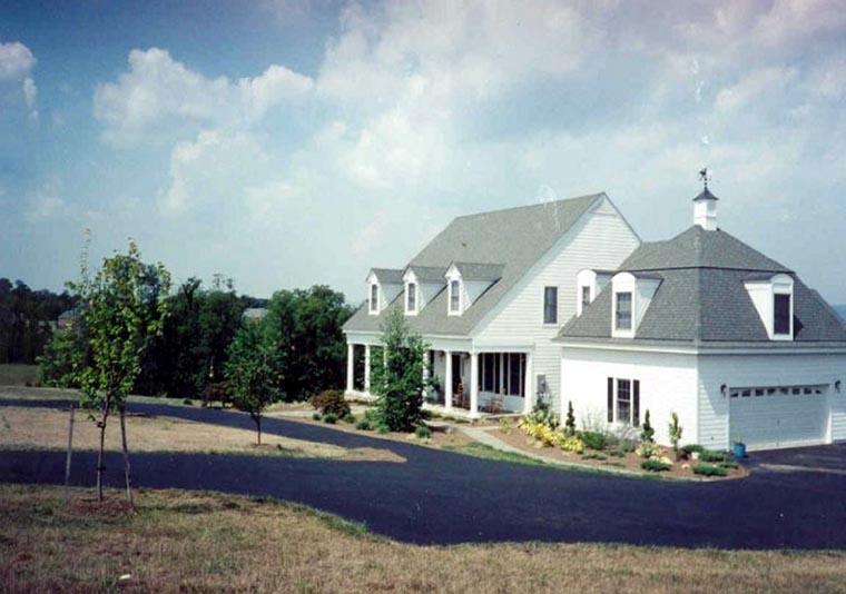 Farmhouse House Plan 86184