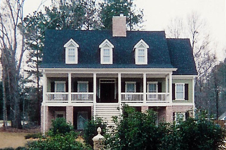 Traditional southern home plans 9 photo gallery for Traditional southern house plans