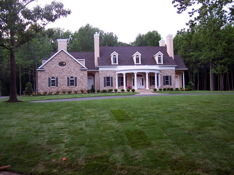 Colonial Southern Traditional House Plan 86292