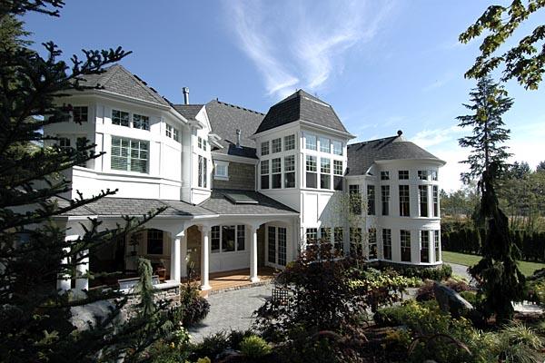 Coastal Farmhouse House Plan 87642