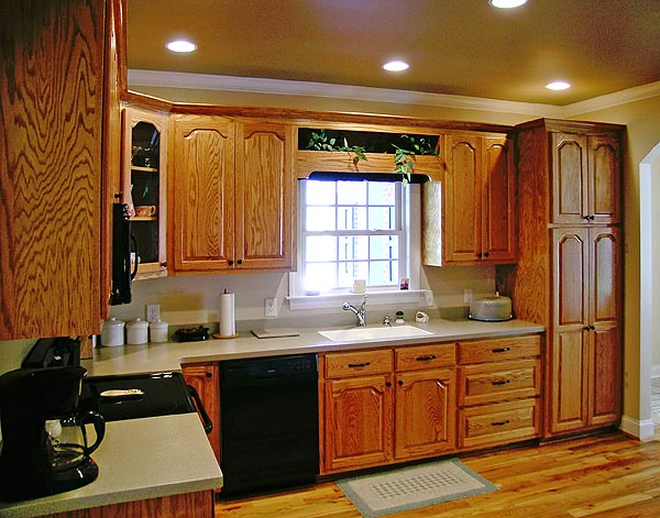 Country Farmhouse Ranch House Plan 90665