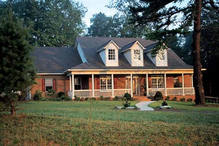 Cape Cod Country House Plan 99425
