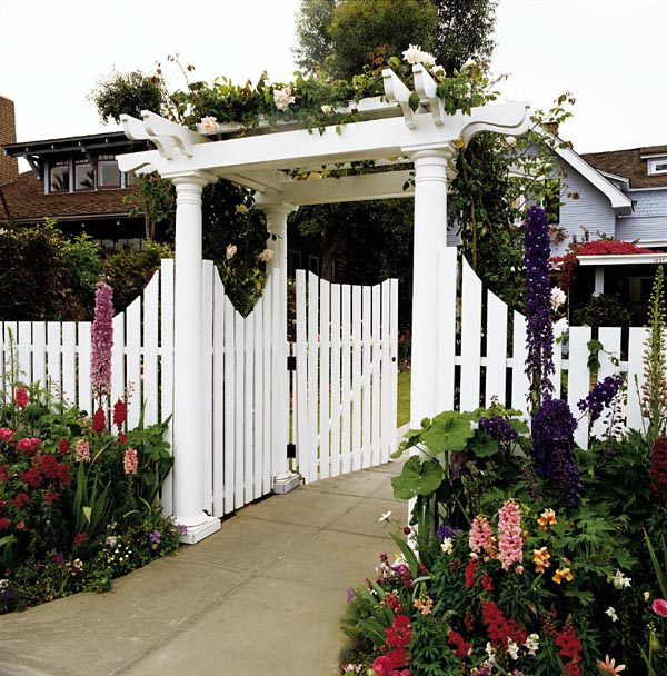 503503 - Arbor and Gate